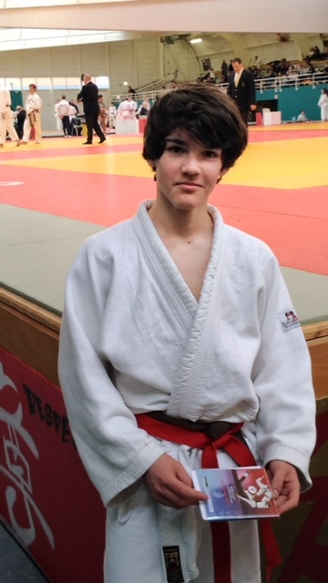Shiais besan on 25 judo club du faucigny for 25 besancon